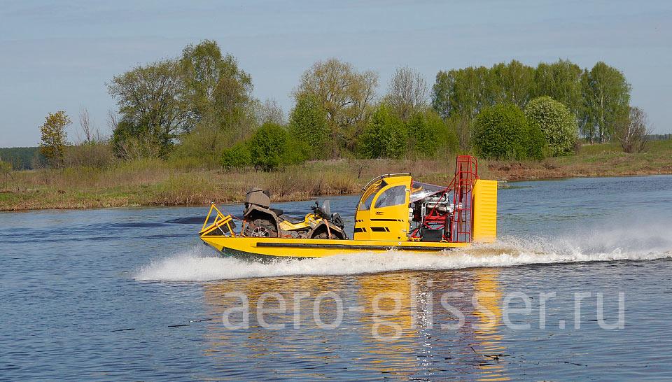 Грузовой аэроглиссер ШАГ с квадроциклом на воде